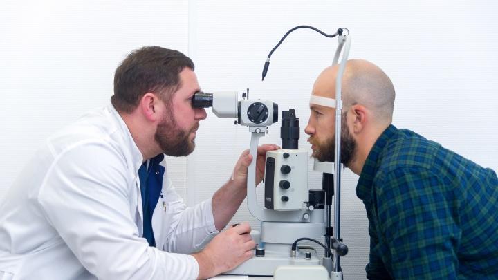 Очки из-за маски не запотеют: офтальмологии Перми возобновили работу после карантина