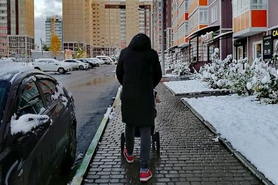 «Были переводы по 40 и 65 тысяч»: красноярцы помогли семье погибшей женщины из Покровки