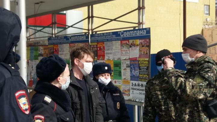 В Екатеринбурге обвиняемого в массовом убийстве людей в бараке на Омской отправили в СИЗО