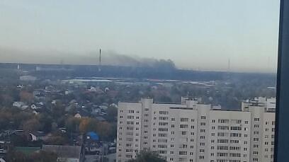 «Черные клубы дыма видно с Вторчермета»: под Екатеринбургом разгорается пожар