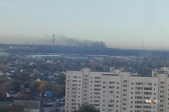 Под Екатеринбургом черные клубы дыма