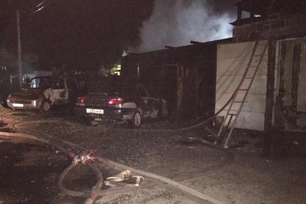 Спасатели справились с открытым огнём быстро