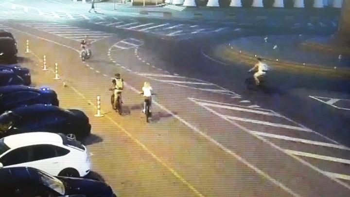 «Вы тоже водители»: полицейские показали видео с велосипедистами-нарушителями