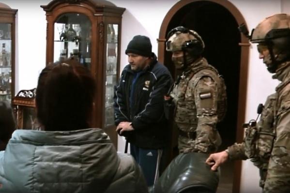 Мужчину задерживали бойцы спецназа<br>