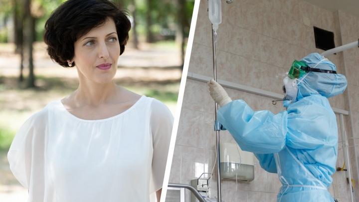 «Медики как будто живут в отдельном мире»: медсестра коронавирусного госпиталя рассказала, как выгорают врачи и умирают люди