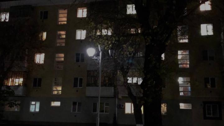 «Под ногами ничего не видно!»: курганцы пожаловались на новые светильники в центре города