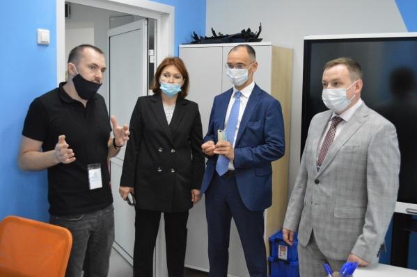 После Кургана Дмитрия Глушко повезли в Белозерский район открывать «Точку роста»