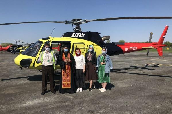 Авиакомпания «ЮТэйр» предоставила вертолет для крестного хода