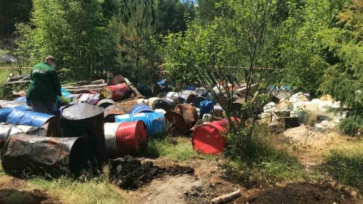 В Нижегородской области выявили крупную свалку опасных химических отходов