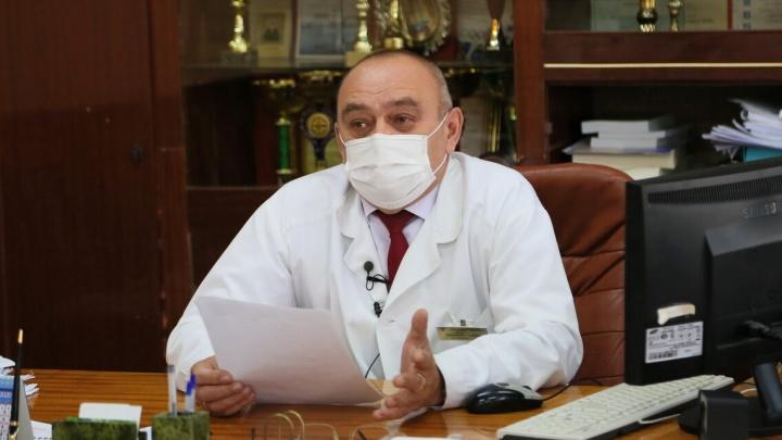 Главврач волгодонской БСМП попросил вызывать скорые только в крайнем случае