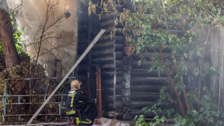 Тюменцы, пострадавшие в пожаре на Осипенко, сломали позвоночники