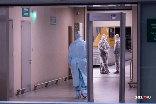 За сутки лаборатории провели 2023 теста на коронавирус