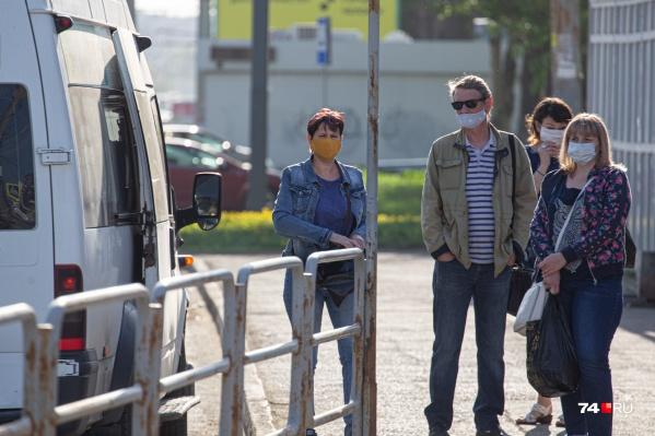 Пассажиры утверждают, что порой приходится ждать транспорта полдня