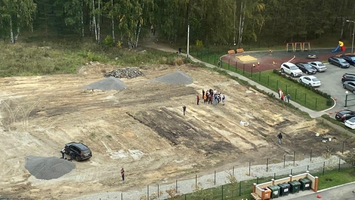 Власти остановили строительство парковки в крупном микрорайоне после возмущения челябинцев
