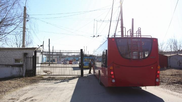 Ярославские троллейбусы переезжают в новое депо: фото с места