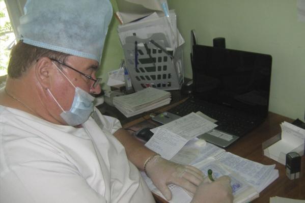 Владимир Михайличенко работал стоматологом