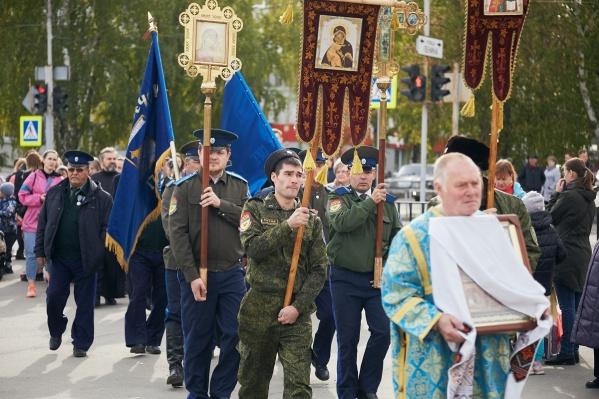 Крестный ход прошел от Храма Рождества Пресвятой Богородицы до Центральной площади