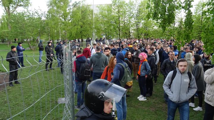 Вторая часть майской битвы против застройщика: активисты пытаются отстоять деревья на берегу пруда