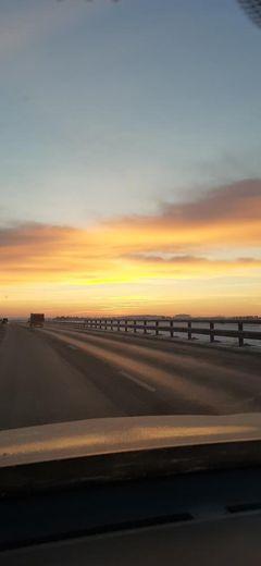 Один из наших читателей встретил рассвет в дороге