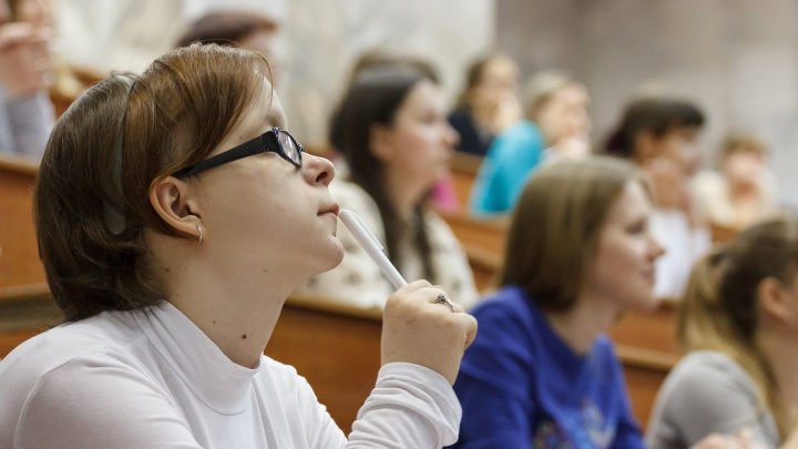 Встретятся только на лабораторных: волгоградских студентов отправили на дистант