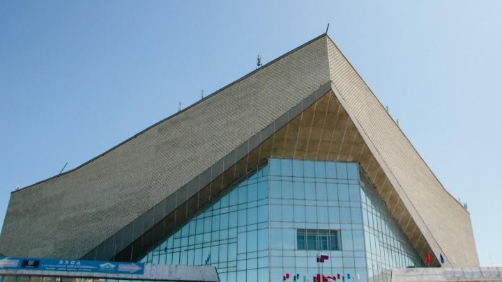 Крышу СКК Блинова будут делать до декабря за 20 миллионов рублей