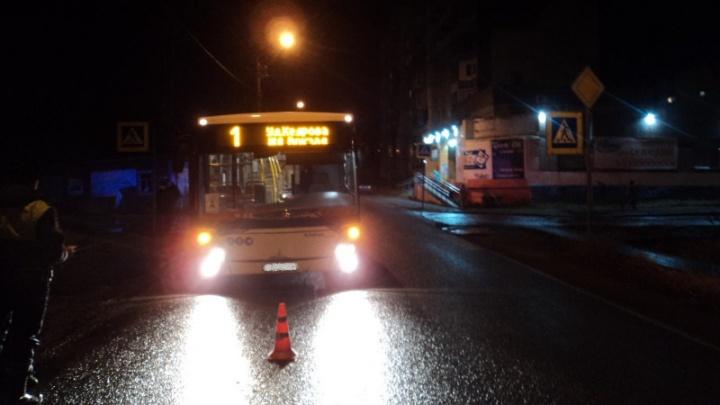 Автобус сбил на пешеходном переходе в Архангельске восьмилетнюю девочку