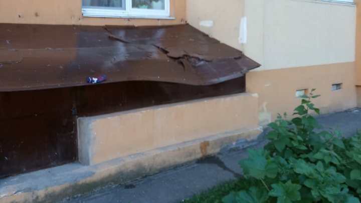 В Уфе ребенок выпал из окна десятого этажа