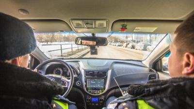 «Авто виляло»: в Самарской области поймали пьяного водителя, который катал 6-летнего сына