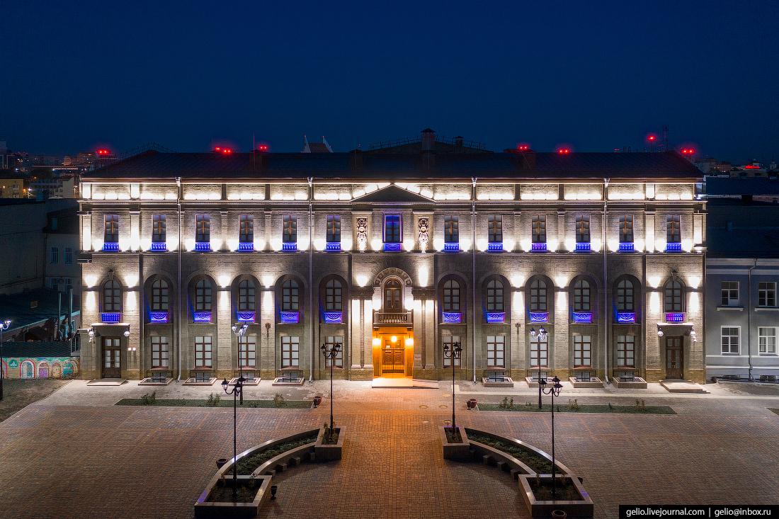 Еще одно напоминание о Петербурге — здание центра «Эрмитаж-Сибирь»