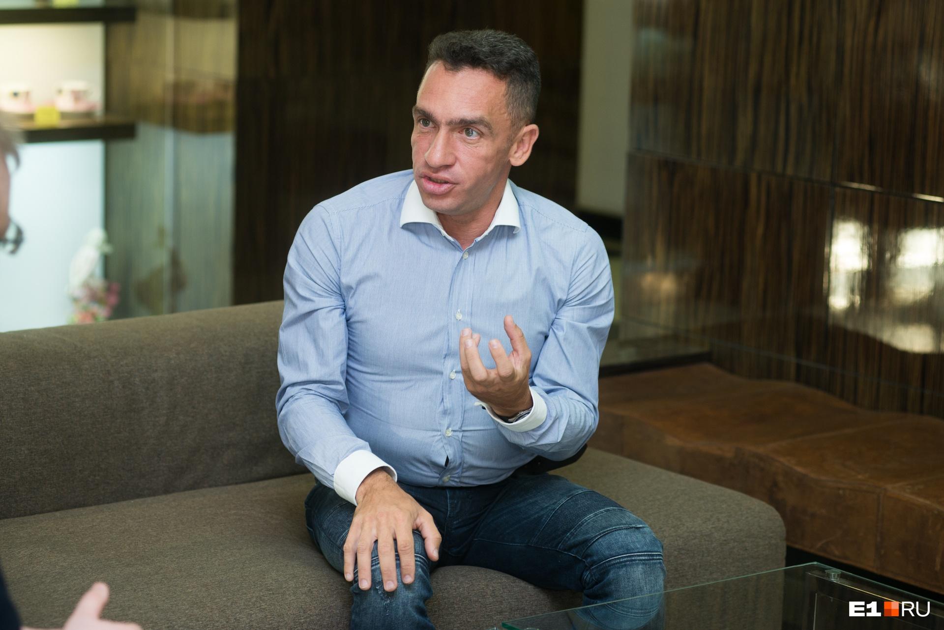 Александр Кынев специализируется на политике в регионах