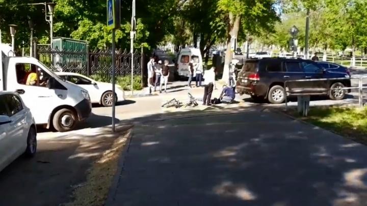 Около Загородного парка «крузак» сбил насмерть велосипедиста