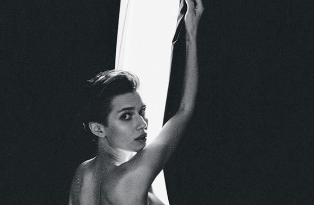 Актриса Дарья Мельникова попала на обложку летнего номера журнала MAXIM