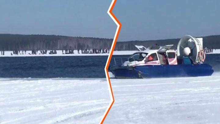 468 рыбаков эвакуировали с оторвавшейся льдины в Белоярском. Как проходила операция спасения