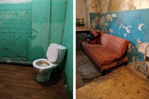 Вот так выглядит первый этаж общежития на Сульфате, куда предлагают заселиться жильцам из деревянного квартала в центре Архангельска