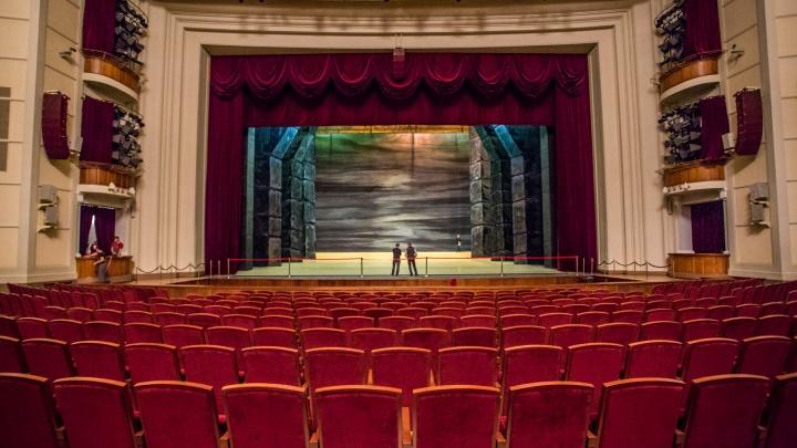 Новосибирские театры закрылись до апреля — что делать с билетами? Новый ликбез от НГС