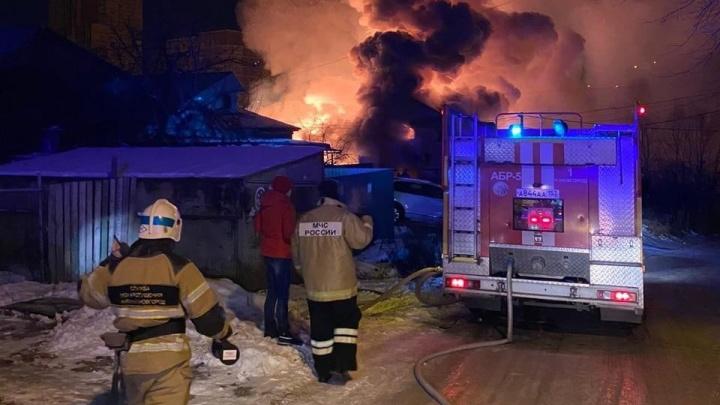 Два жилых дома сгорели в Советском районе