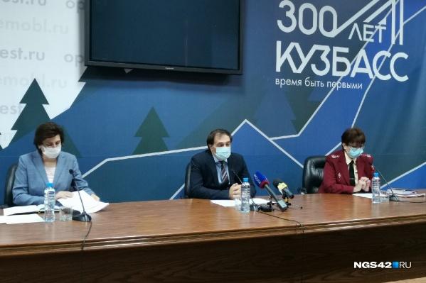 По словам Алексея Цигельника, на данный момент нет прямых номинантов на введение ограничений