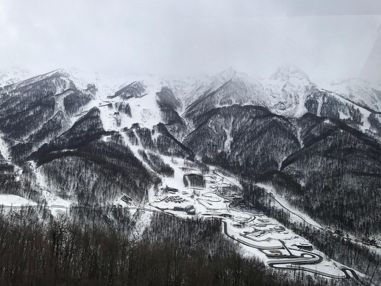 горнолыжный курорт в районе Красной Поляны (Сочи)