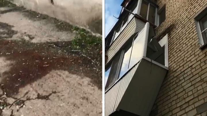 Лужа крови и сломанный балкон: на окраине Екатеринбурга нашли труп мужчины