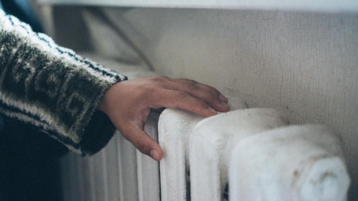 Тепло и горячую воду жильцам пятиэтажки на Бархатовой пообещали дать в субботу
