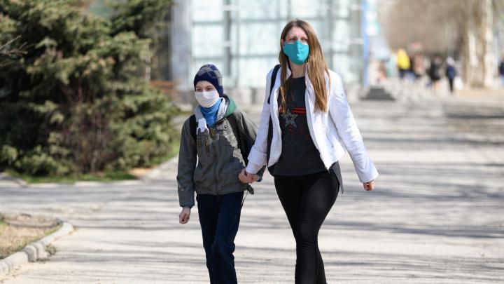 В Волгограде растет заболеваемость коронавирусом среди школьников