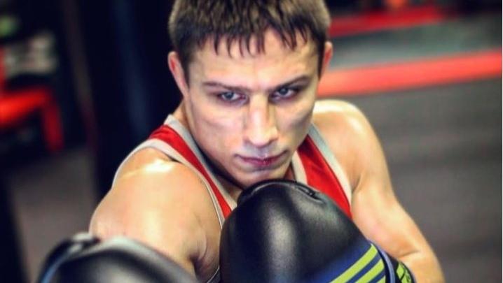 Выпускник НГУ проведет профессиональный бой по правилам MMA в Москве