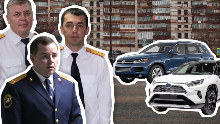 ВИП-гараж: смотрим и удивляемся, какими автомобилями владеют глава СКР Тюменской области и его замы