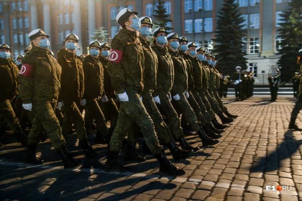 Репетиция парада Победы пройдет ночью без военной техники