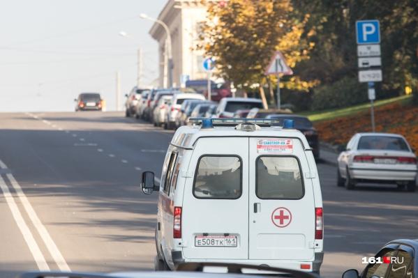 Умерший работал в больнице скорой помощи, где лечат пациентов с COVID-19