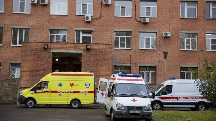 Бригады скорой помощи из районов обязали работать в Ярославле. Кто будет лечить на селе?