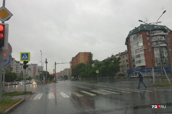 Пасмурная и дождливая погода пришла в Тюмень на несколько дней