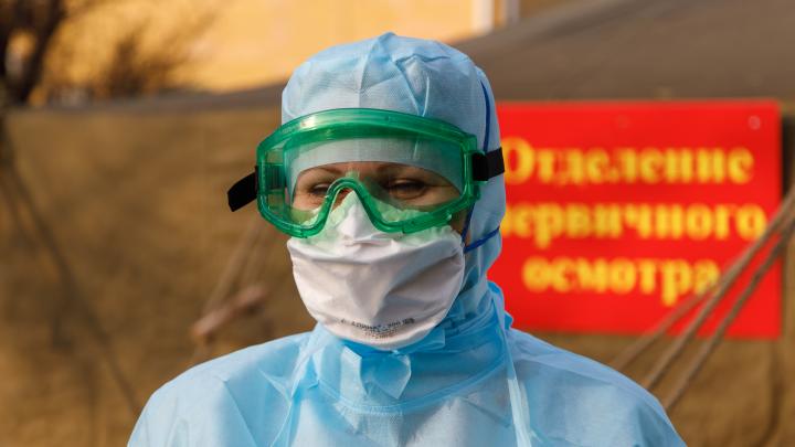 В волгоградских стационарах лежат с коронавирусом почти 2000 больных: смотрим сводку оперштаба