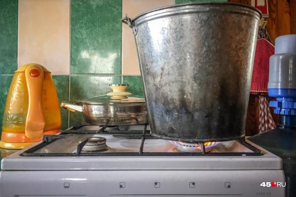 В Кургане 70% от 509 домов, попавших под первую волну отключения горячей воды, кипятка пока не увидели