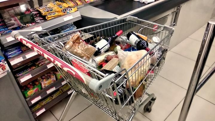 «У нас был просто второй Новый год»: в магазинах рассказали, что накануне карантина скупали новосибирцы